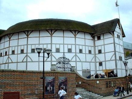Shakespeare globe van buiten. Londen